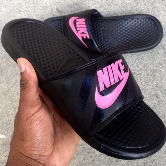 29676ad906b1e WMNS NIKE BENASSI SLIDES JUST DO IT BLACK PINK